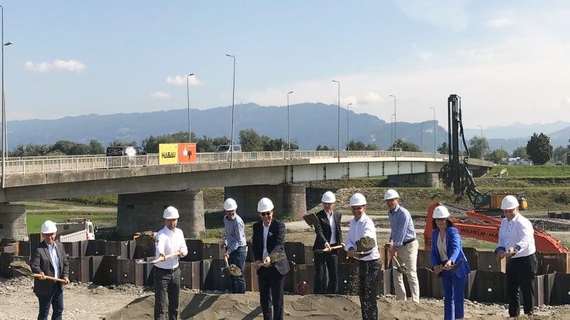 Moderne Brücke sichert Hochwasserschutz - Projekt Rheinbrücke