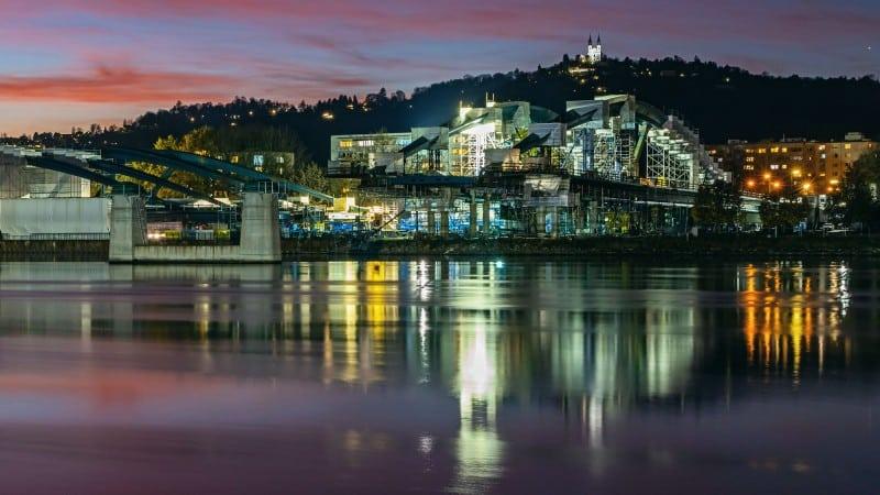 Neue Donaubrücke Linz bei Nacht in Bau © Gregor Hartl