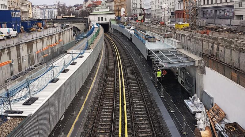 U4 Pilgramgasse: Bauarbeiten entlang U-Bahn-Gleise