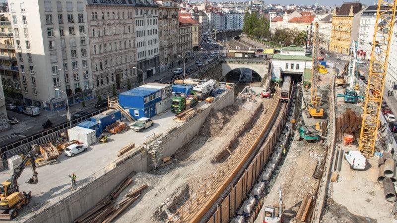 U4 Pilgramgasse: großräumige Bauarbeiten im U-Bahn-Schacht