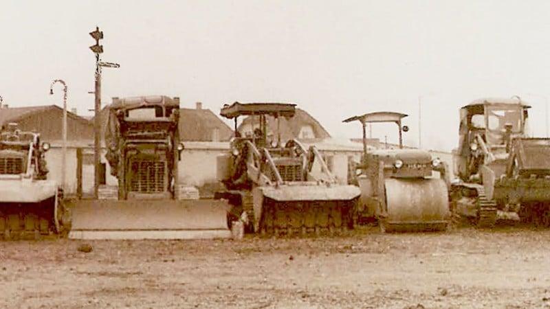 Historische Aufnahme der ersten HABAU Baumaschinen 1950er Jahre