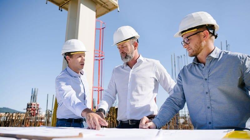 Mitarbeiter auf der Baustelle - Value Chain Management